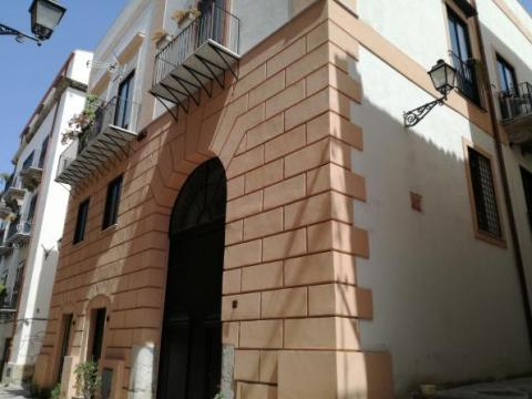 C. historic apartment 55 sqm E. 110.000