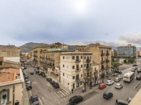 ART. 0000000522 - Penthouse z tarasem na Placu Juliusza Cezara