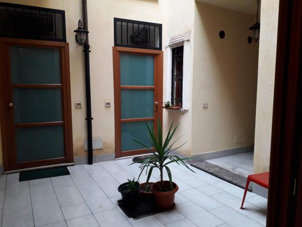 COD.0000000694 - three rooms apartment renovated with balcony in the Historical Centre
